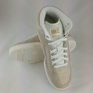 Nike Men's Air Python PRM Basketball Shoe 7 M
